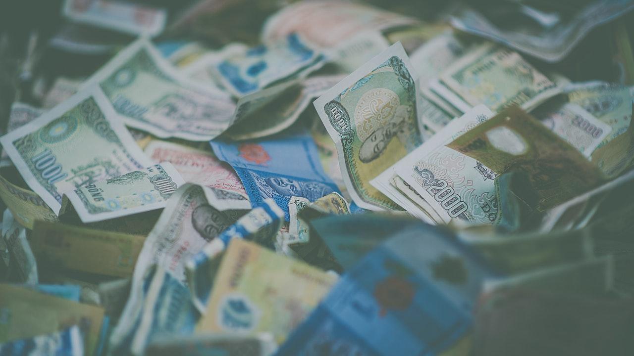 Inkomster och utgifter
